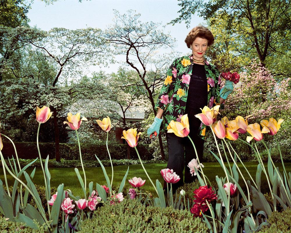 """Mum in her garden, Washington D.C. , 2003 © Sage Sohier 28 x 35"""" image on 35 x 42"""" paper"""