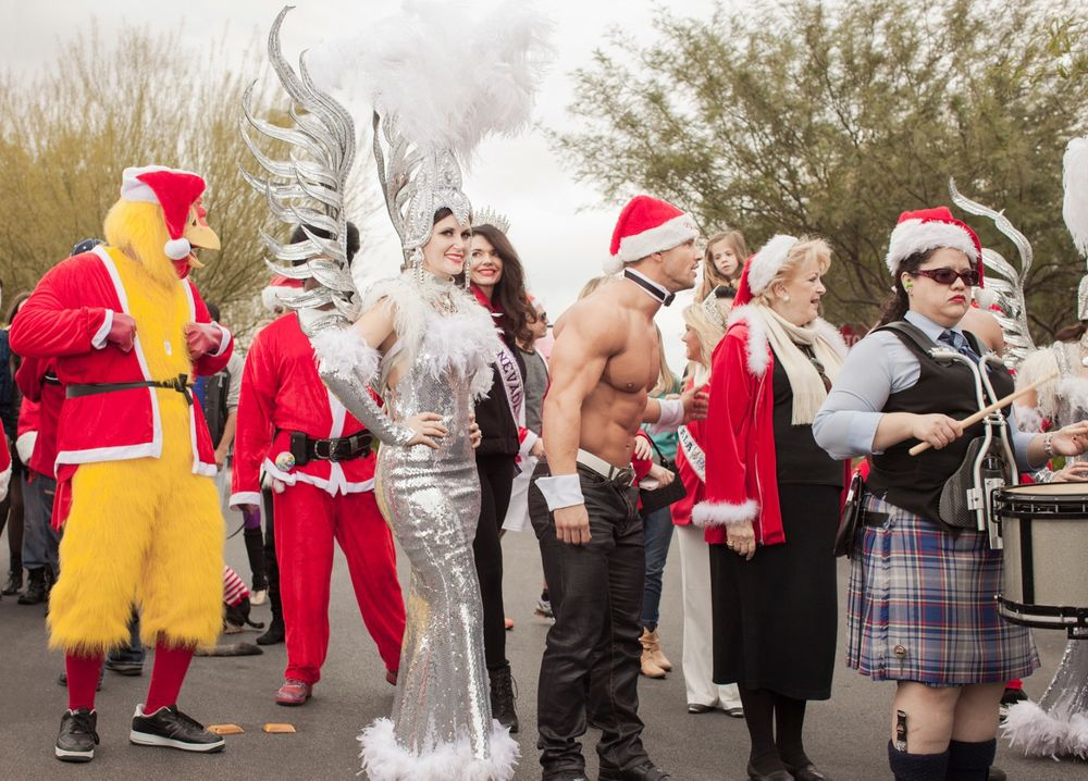 Mayor Goodman and Friends.  Las Vegas, NV . 2013. The Great Santa Run © Jesse Rieser
