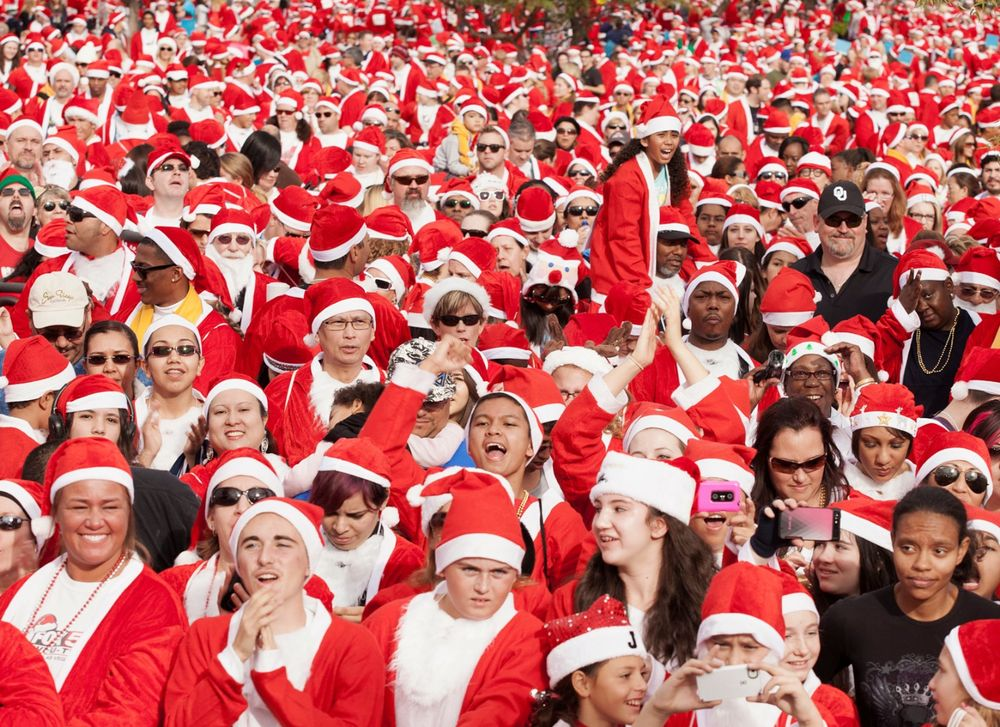 Santa Sea.  Las Vegas, NV . 2013. The Great Santa Run © Jesse Rieser