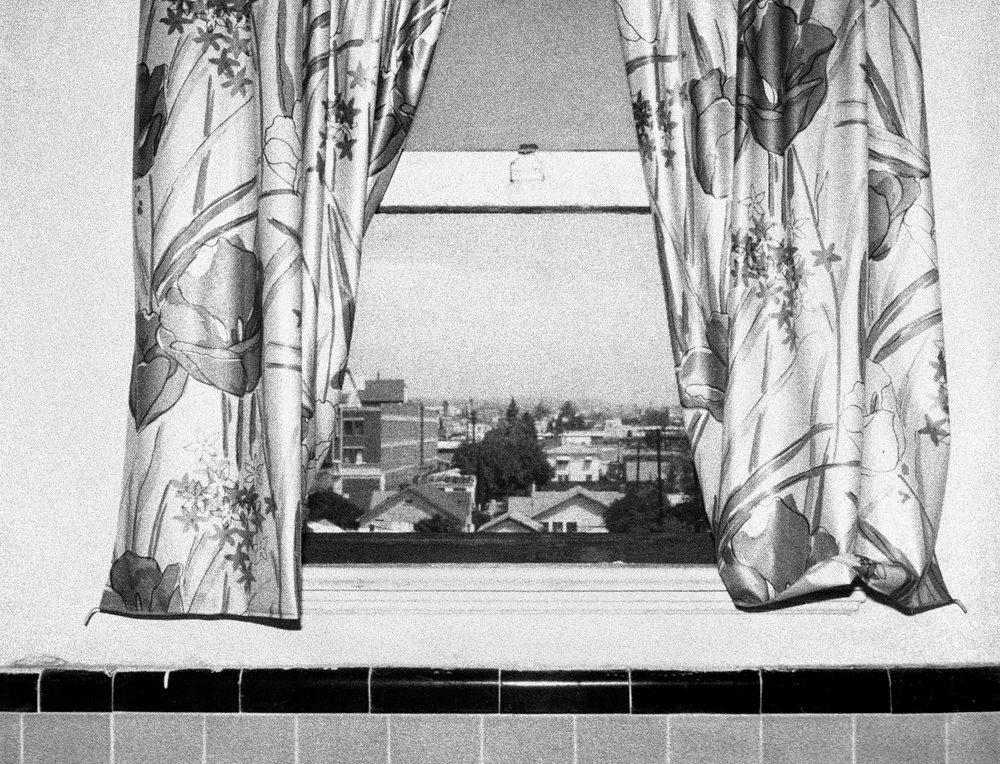 The Hollywood Suites (Windows) #13,  1977  ©  Steve Kahn