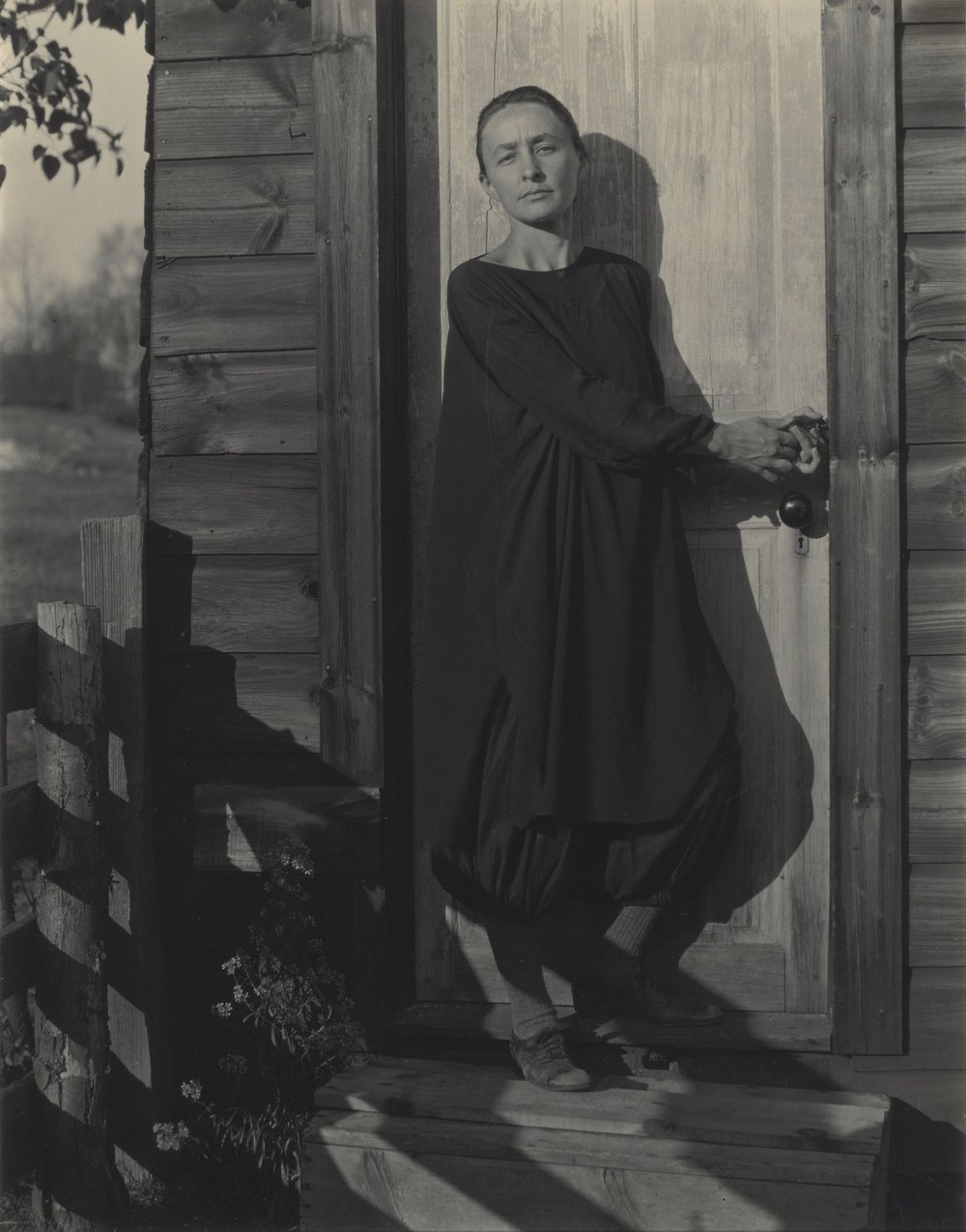 A photo of Georgia O'Keefe taken by Alfred Stieglitz in 1920.