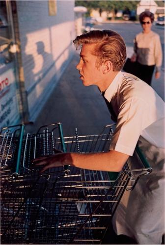 William Eggleston,  Memphis, Tennessee, 1965, Dye-transfer print, The Metropolitan Museum of Art, New York, Promised Gift of Jade Lau © Eggleston Artistic Trust. Courtesy David Zwirner, New York/London/Hong Kong