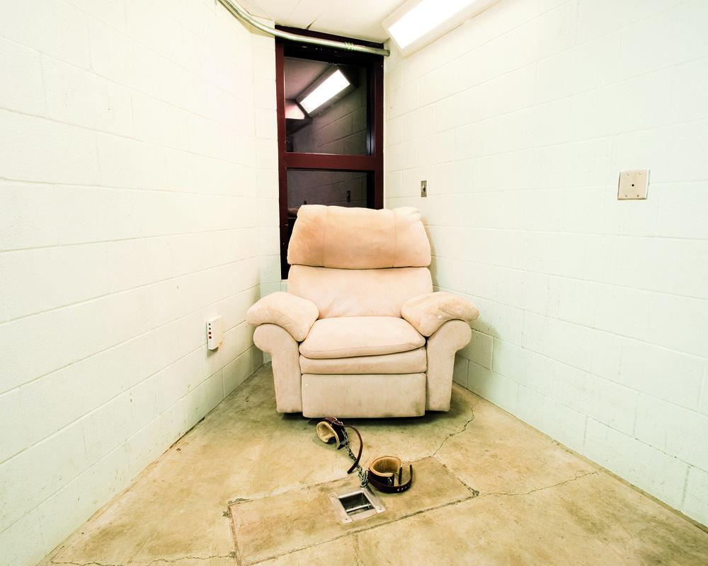 Compliant Detainee Media Room, Camp 5 © Debi Cornwall
