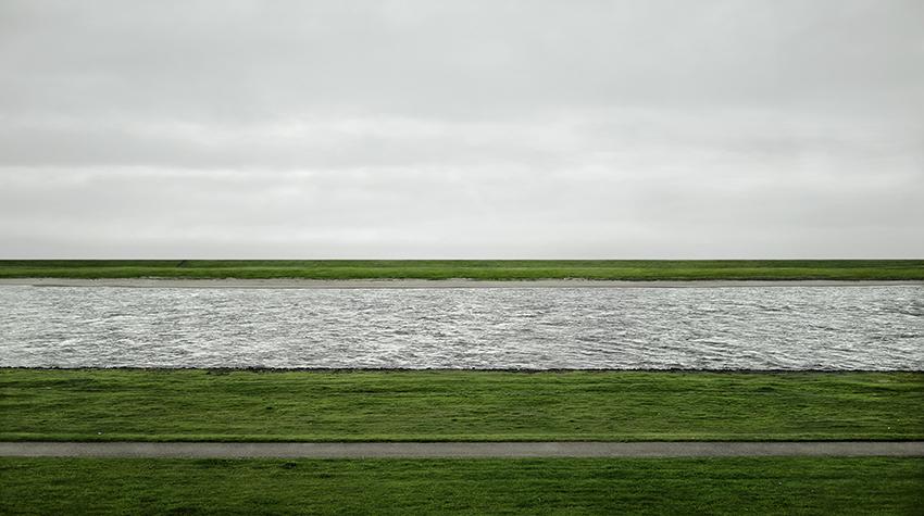 Andreas Gursky,Rhein II, 1999/2015 . ©Andreas Gursky /DACS, 2017.
