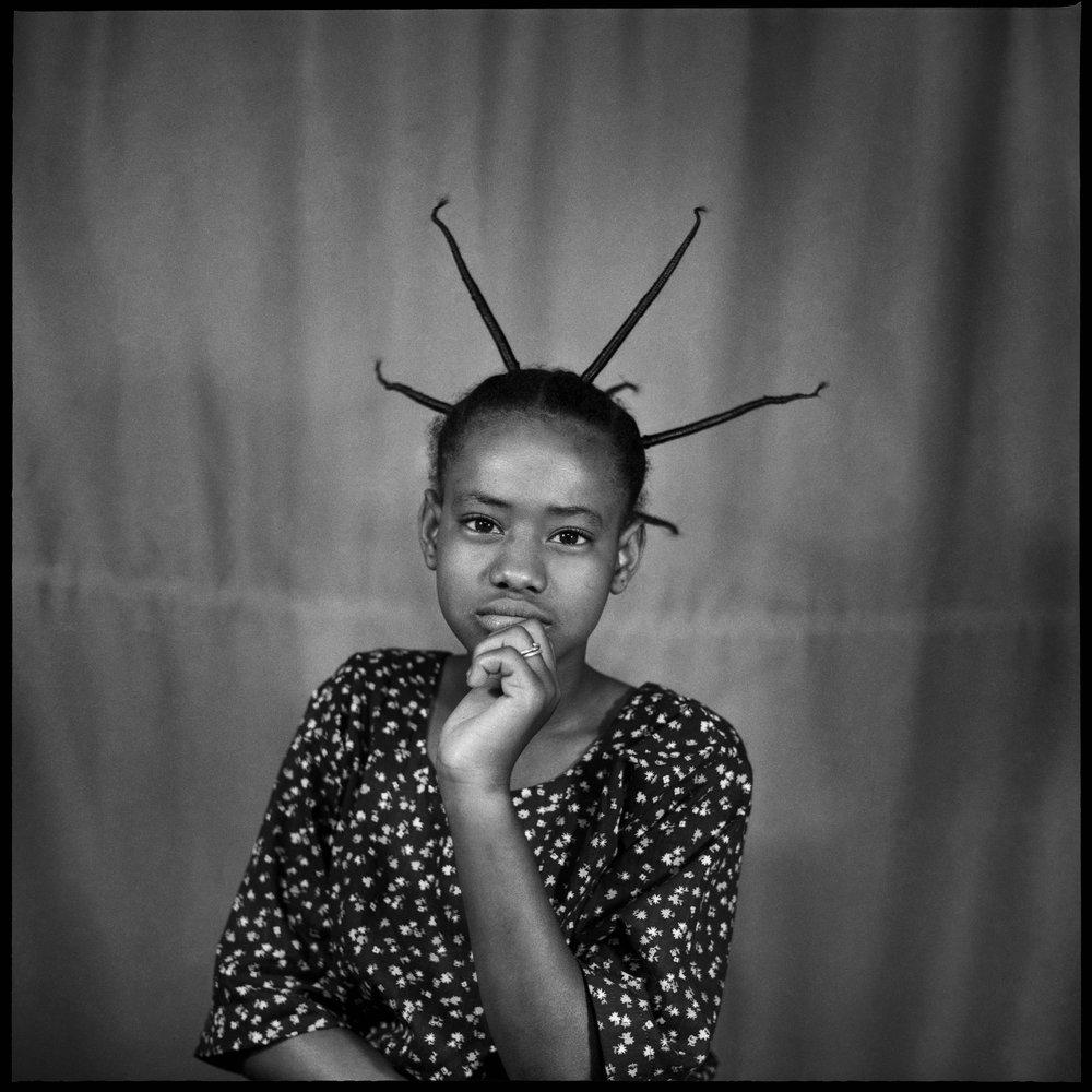La Jeune Malienne, 1970  © Sanlé Sory, Courtesy Yossi Milo Gallery, New York