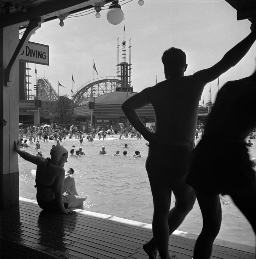 """Stanley Kubrick, From """"Fun at an Amusement Park:  Look  Visits Palisades Park,"""" 1947. Courtesy of the Museum of the City of New York / SK Film Archive, LLC"""