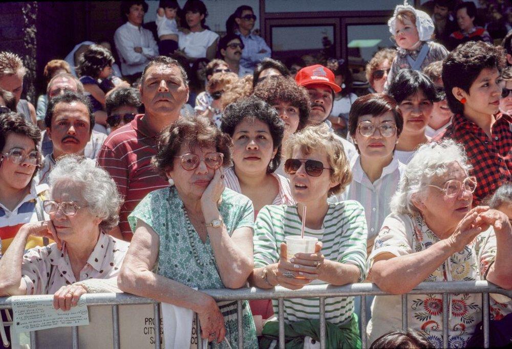 Crowd Waiting, 1986 -  Courtesy of MACK and Euqinom Gallery