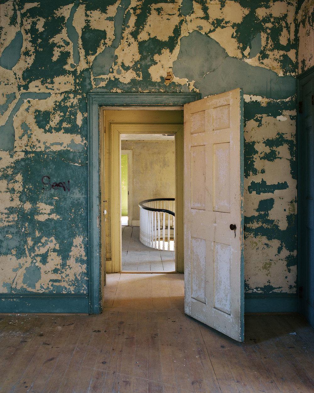 8_RearBedroom_OliverBronHouse.jpg