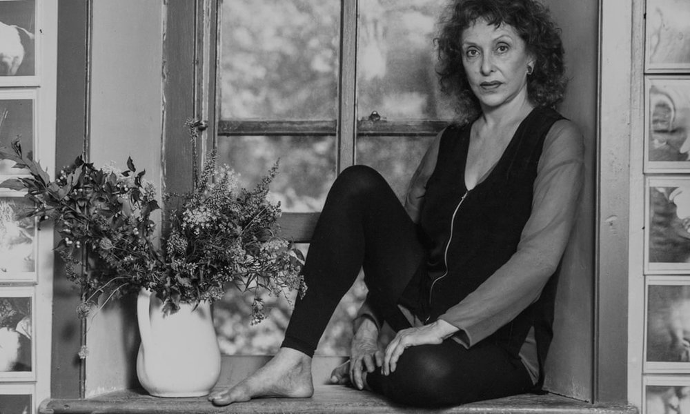 Carolee Schneeman photographed in her home in New Paltz, upstate New York, in 1996. ©Joan Barker. Courtesy of the Guardian.