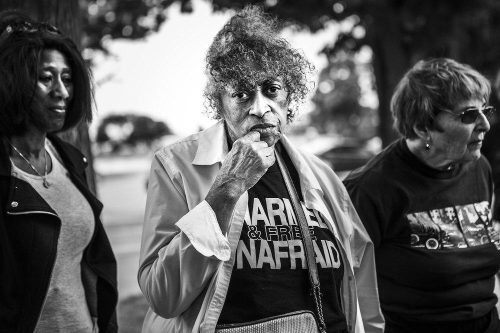 Dorothy Aldridge, 71 with Harriet Saperstein 84. Community activists, historians. © Janice Milhem