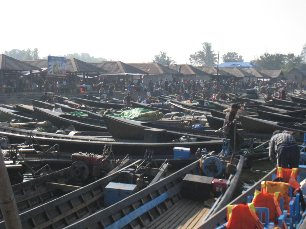 BOAT PARKING FOR THE FIVE DAY FLOATING MARKET