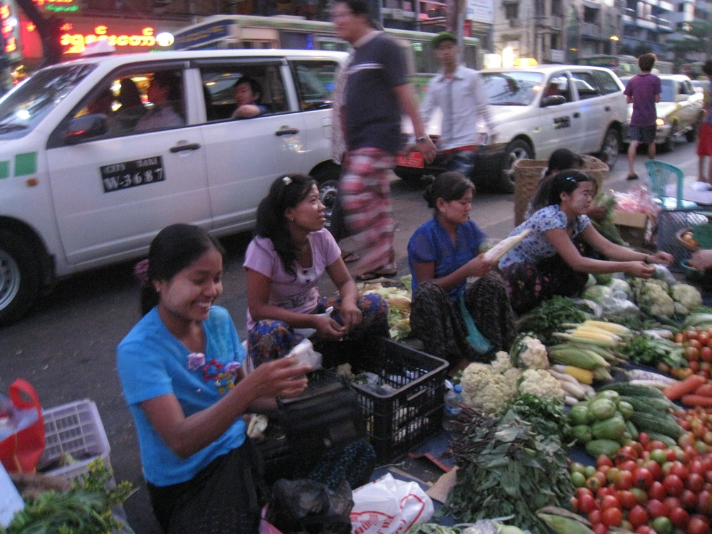FRESH FRUITS AND VEGETABLES IN CHINA TOWN