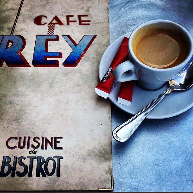 CAFE REY (COURTESY OF WWW.JENRIEDEL.COM)