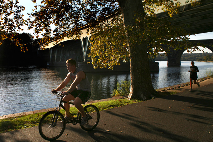 SCHUYLKILLL RIVER TRAIL (PHOTO COURTESY OF WWW.UWISHUNU.COM)