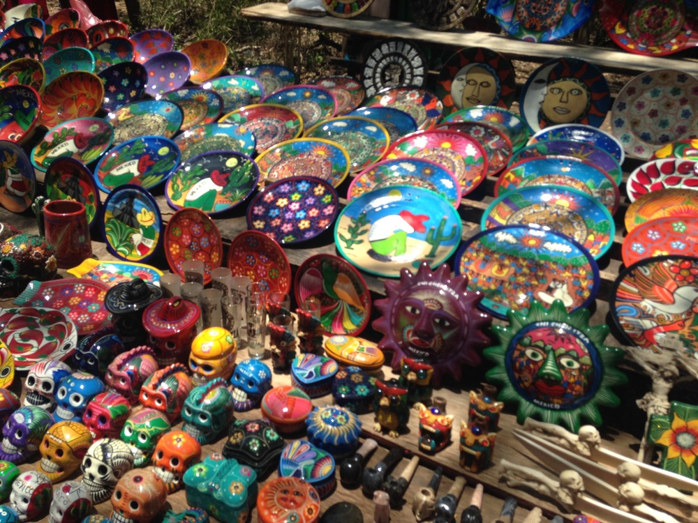 HAND PAINTED BOWLS AND CRAFTS IN CHICHEN ITZA