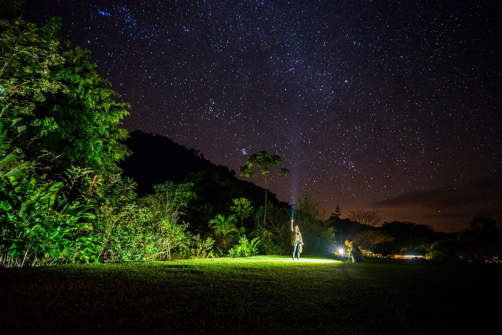 THE NIGHT SKIES IN COSTA RICA (PHOTO CREDIT: SENG NGO)