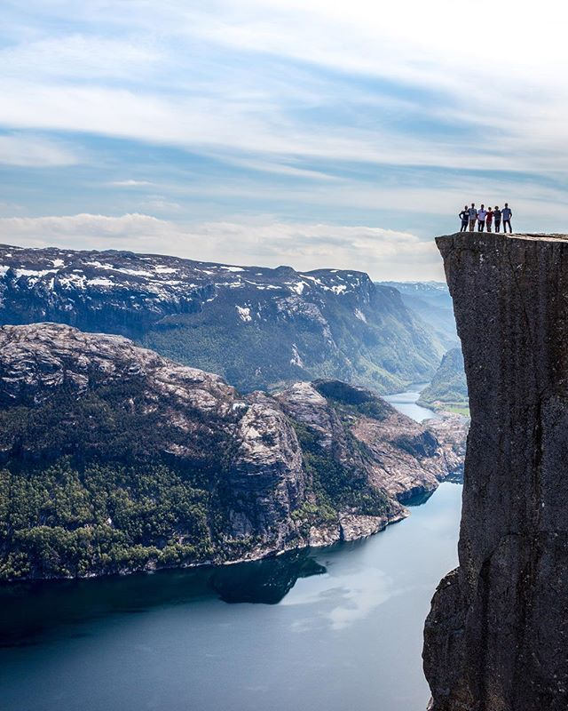 The climb is sooo worth it. Fueled by laughter, family banter, and soggy sandwiches 😜 — Preikestolen (Pulpit Rock) in the Norwegian Fjords was UNREAL. But I couldn't get any closer to that ledge...😨 — #travelnorway #sportnutrition #whatdietitansdo #familytrip #norwegianfjords #preikestolen #hikingislife #fuelyourbody #outdoorlifenorway #hikenorway #getoutside #adrenalinerush #ontopoftheworld #registereddietitian #nutritionforsport