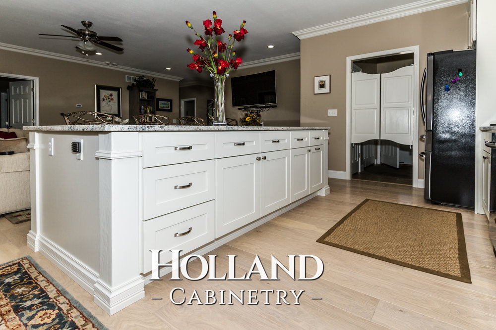 Holland-Cabinetry-Kitchen-Cabinets-21.jpg