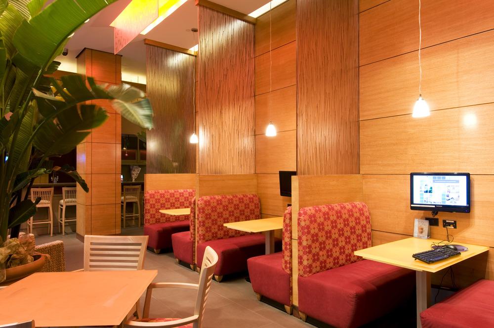 Wyndham Hotel #022.jpg