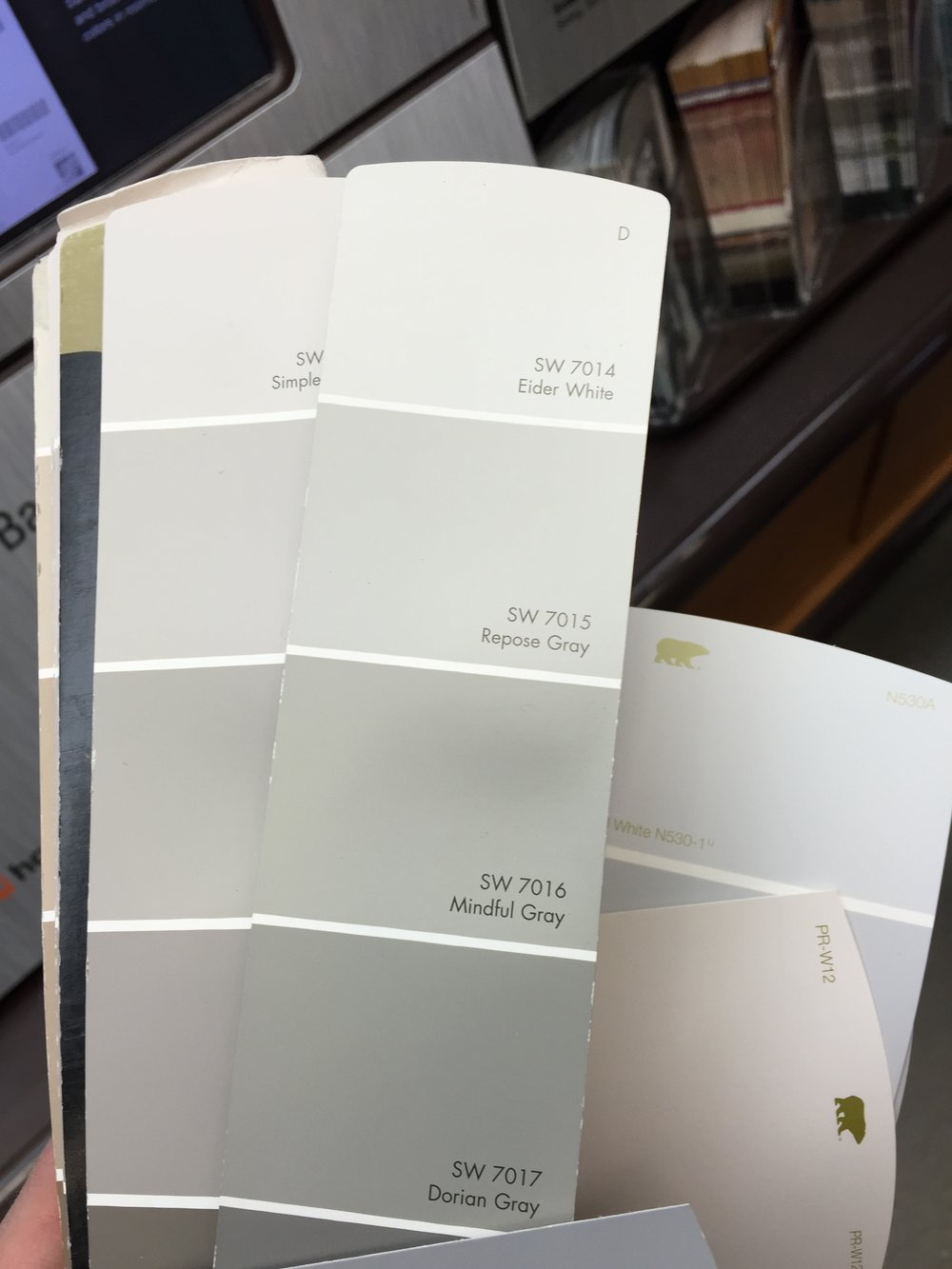 Sherwin Williams color spectrum with Eider White