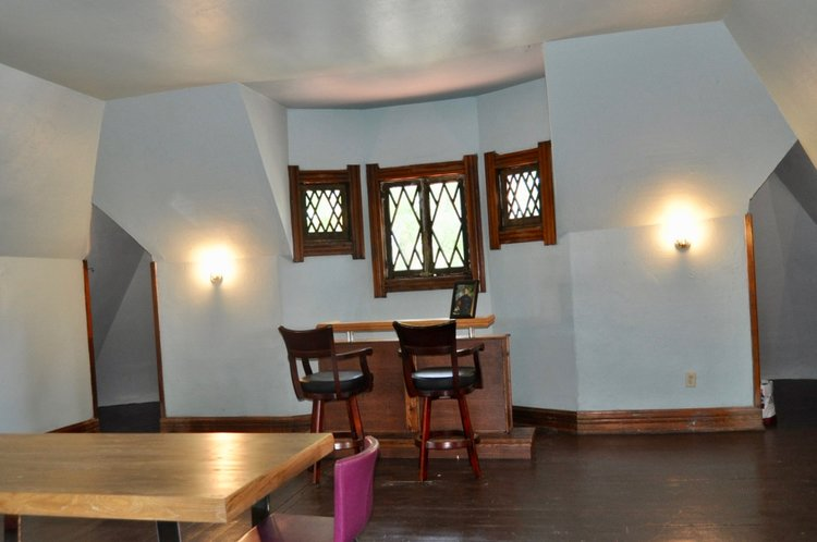 3rd floor loft in Victorian home