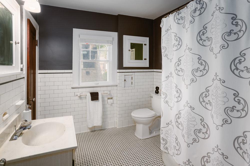 Original 1920's bathroom restored to its former glory