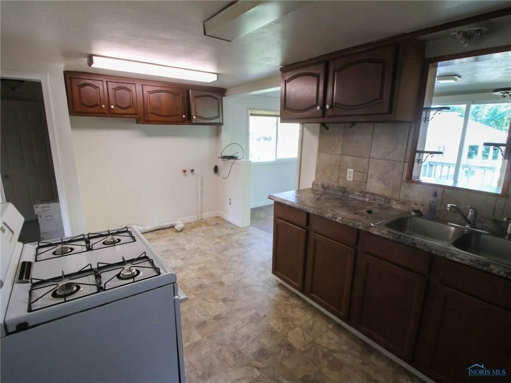 woody kitchen