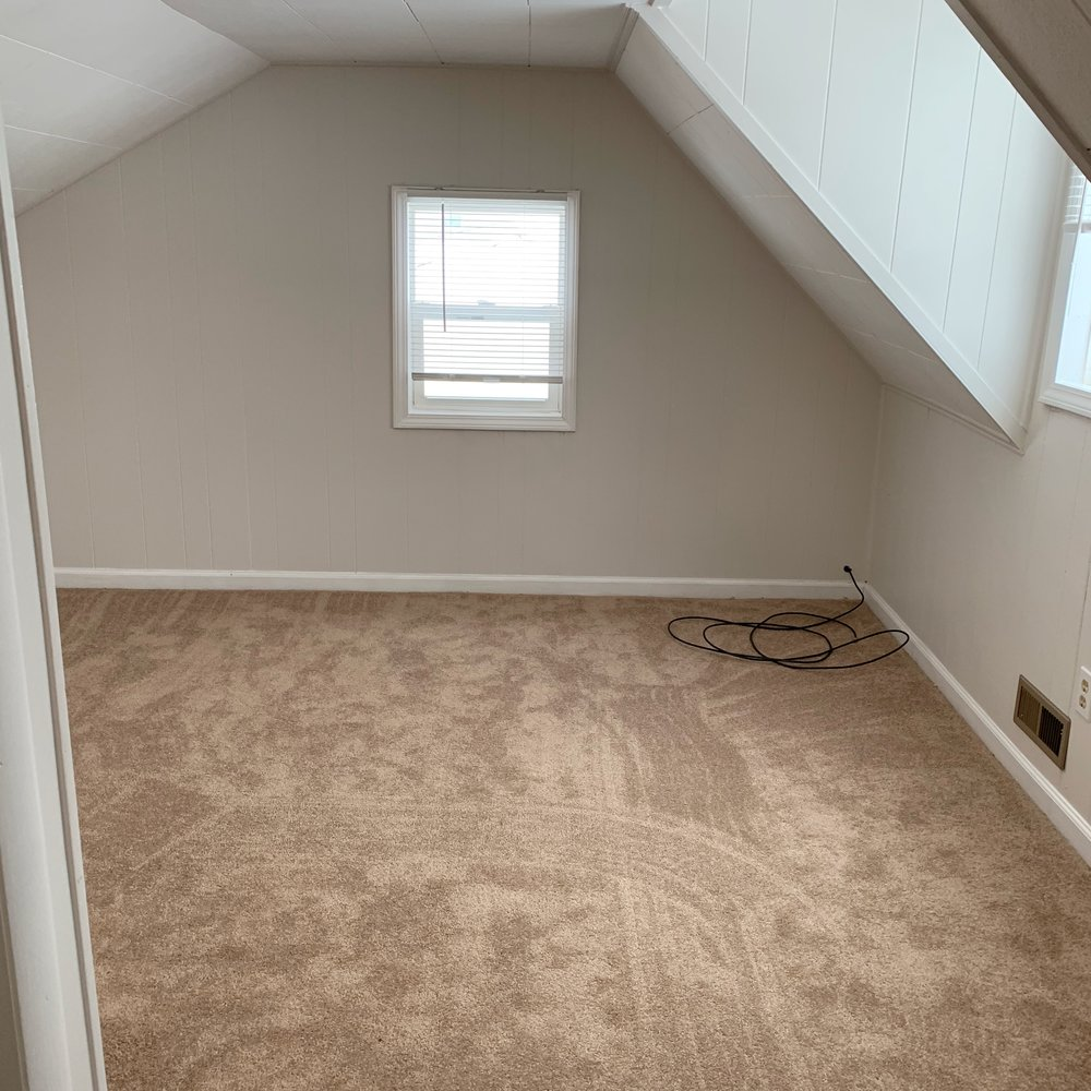 Back room in the upstairs bedroom