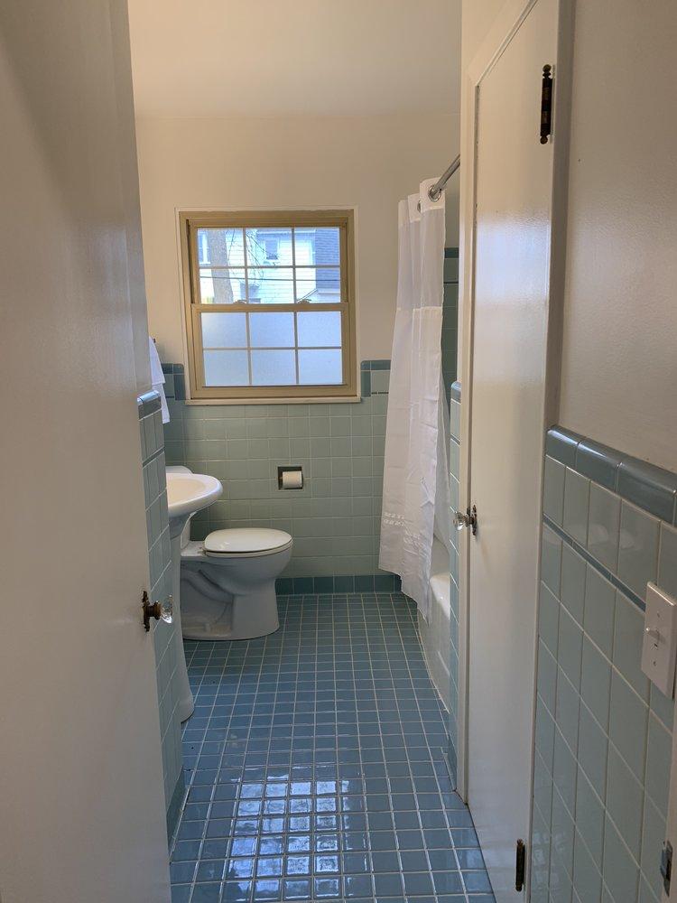 Vintage 1950's bathroom