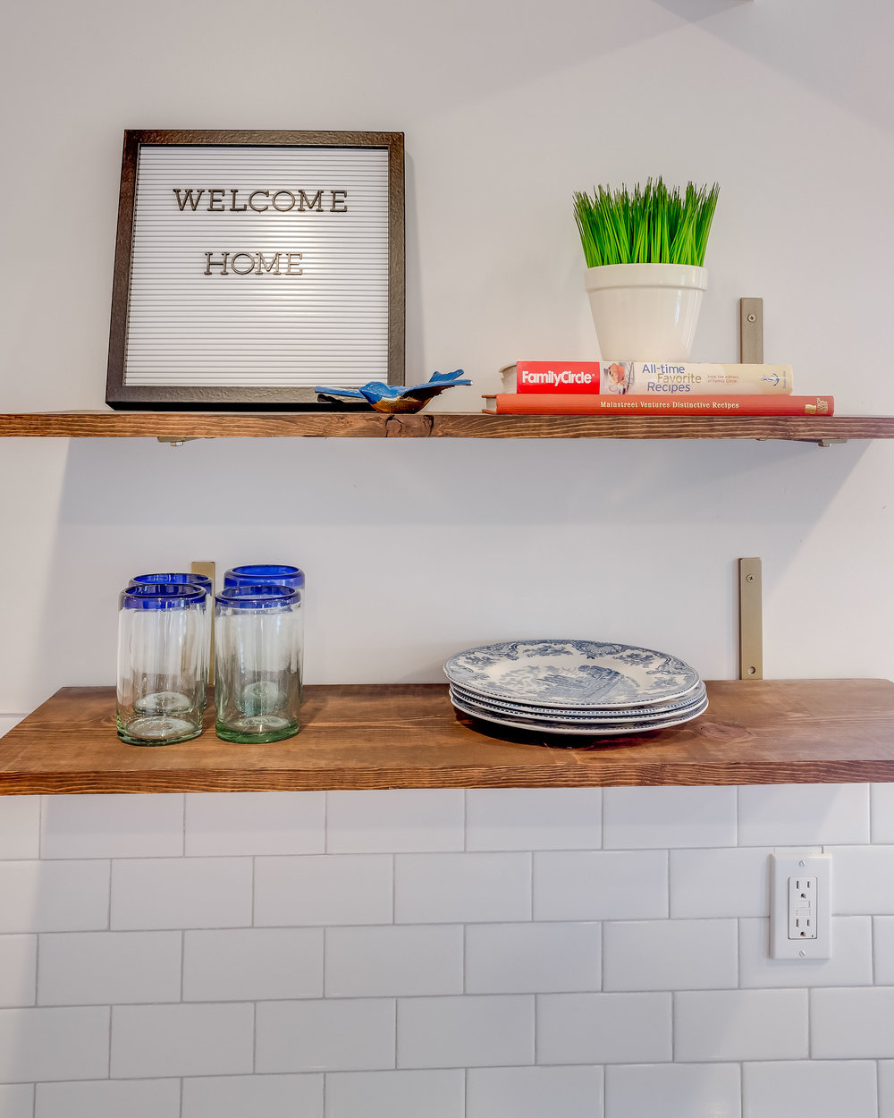 Photos by Mary Wyar - Toledo Home Tours