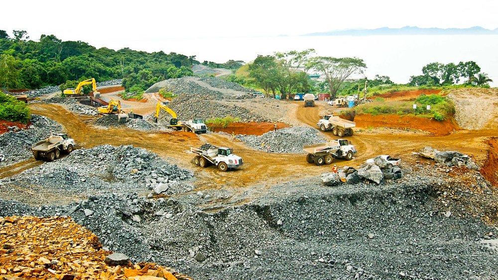 Rock extraction from Vacamonte region, land owned by Grupos Los Pueblos. Source: Ocean Reef Islands