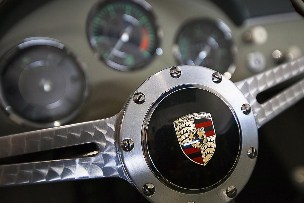 detail_steeringwheel2_w1.jpg
