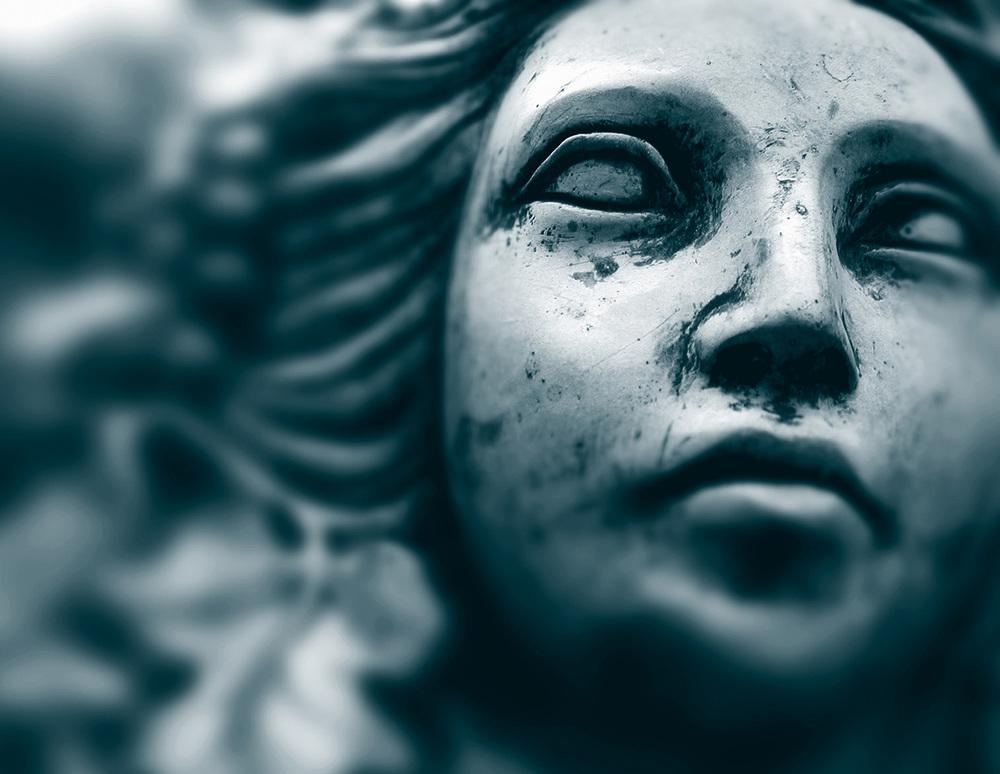 statue_face_v2.jpg