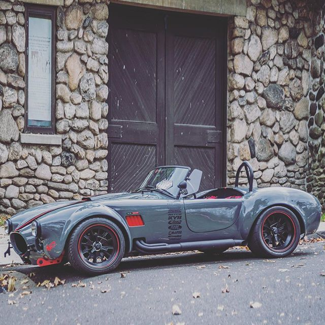 A #beautiful #shelby #cobra to help you ride into the #weekend