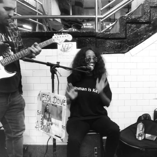 We be having fun. Impromptu jams. Busking chronicles. Fun. Love. Joy. Spread it 🎼❤️ Featuring @gabecasguitar of @ltrainband band killing on the guitar and @jladydrums doing her usual awesomeness on tha Drums! #heyjoe #superstitious @kengwira #womaniskey Tee's.