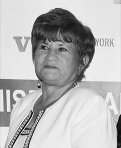 Martha Guzmán  Sociales