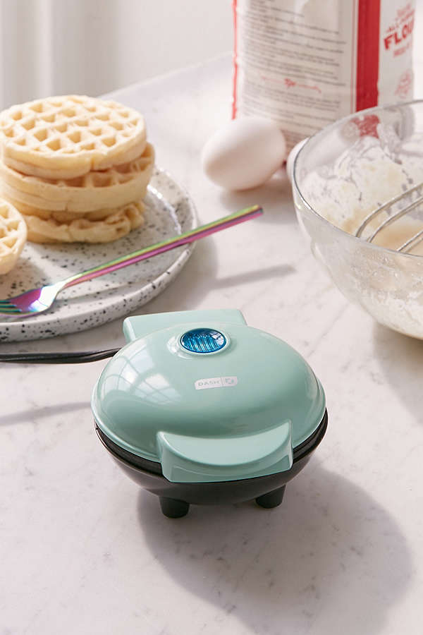 UO Mini Waffle Maker - I LOVE waffles! So this mini waffle maker is on my list of things to get. It's also the perfect size to keep in your dorm room and comes in several colors!