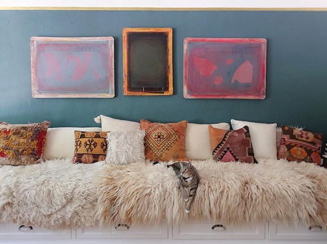 Guess what's coming soon to our little rug shop?  Sheepskin throws! Sign up on our site for a treat and all the news. Link in bio. ☝🏼#ruglove . . Follow @skaynedesigns for all the inspiration. I'm eyeing that teal and plotting my new home makeover. Watch out D.C. #inspireddesign