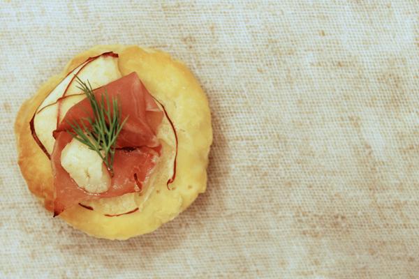apple_gorgonzola_prosciutto.jpg