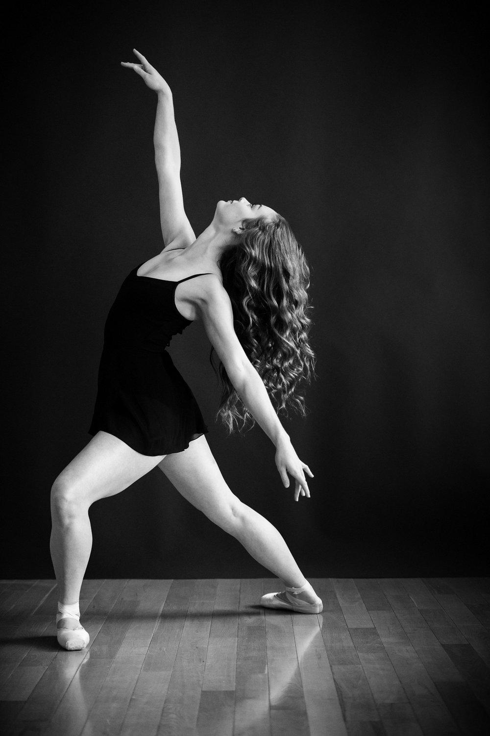nEO_IMG_Marissa Dance-2-BW.jpg