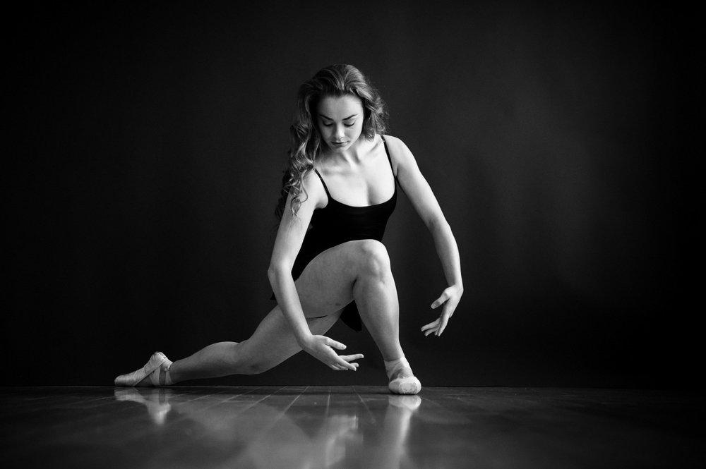 nEO_IMG_Marissa Dance-8-BW.jpg