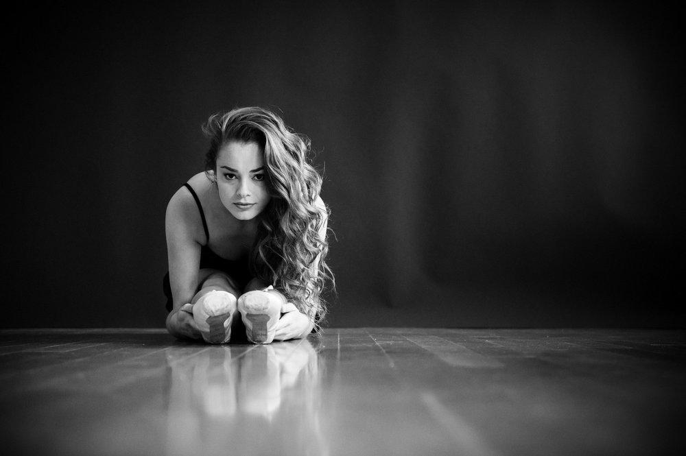 nEO_IMG_Marissa Dance-14-BW.jpg