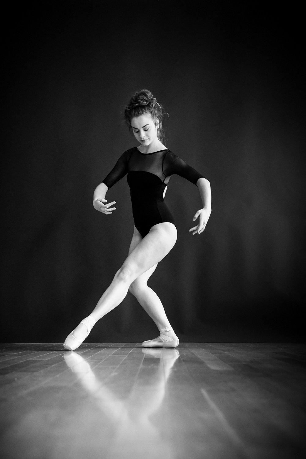 nEO_IMG_Marissa Dance-29-BW.jpg