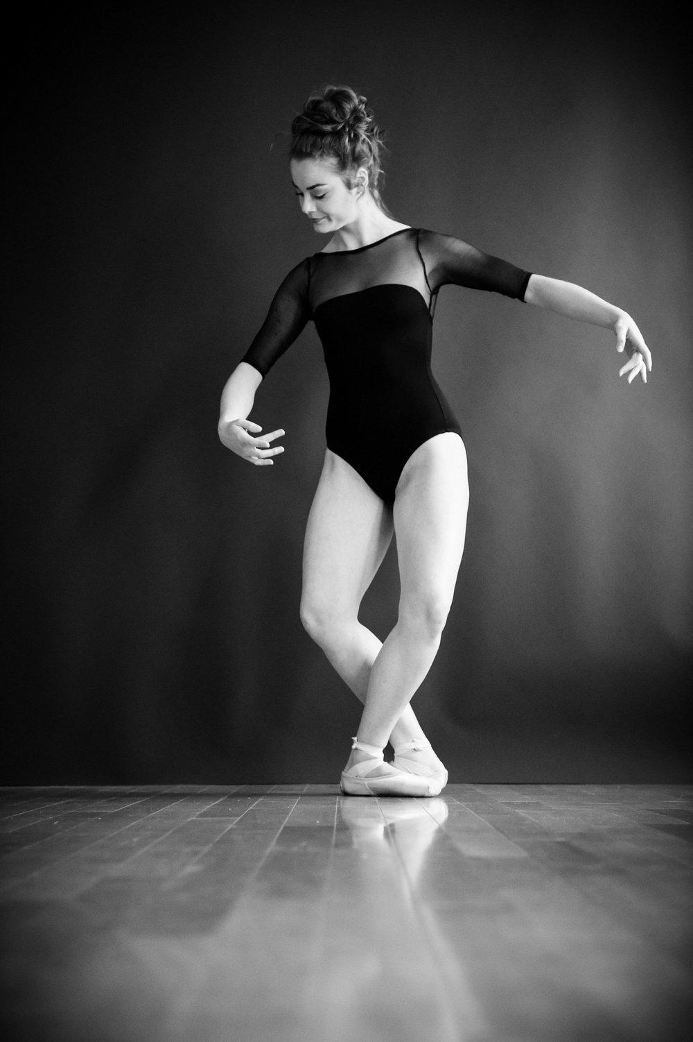 nEO_IMG_Marissa Dance-34-BW.jpg