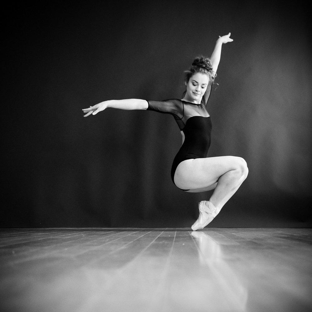 nEO_IMG_Marissa Dance-44-BW.jpg