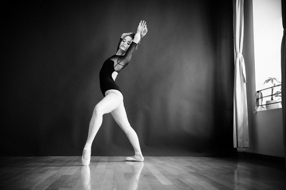 nEO_IMG_Marissa Dance-50-BW.jpg
