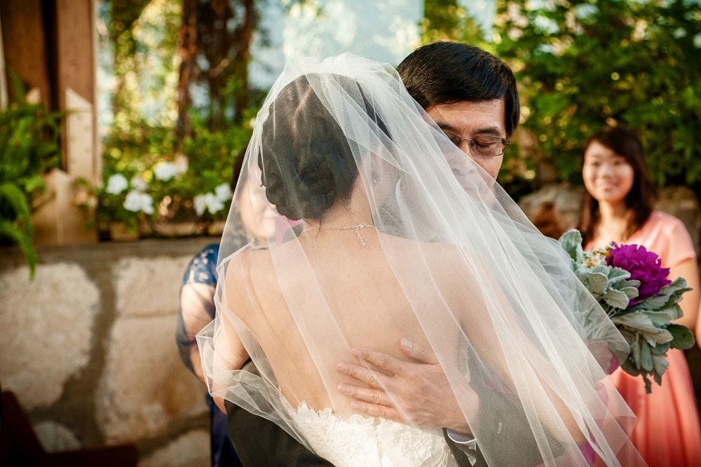 wayfarers chapel wedding moment