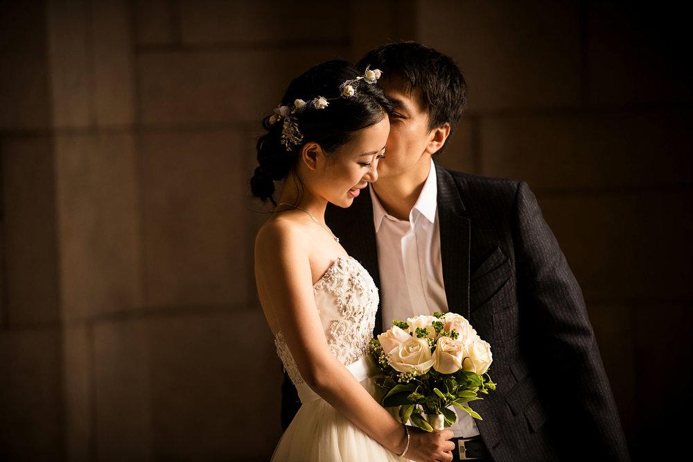 sweet moments pre wedding at University of Washington 西雅图华大婚纱照