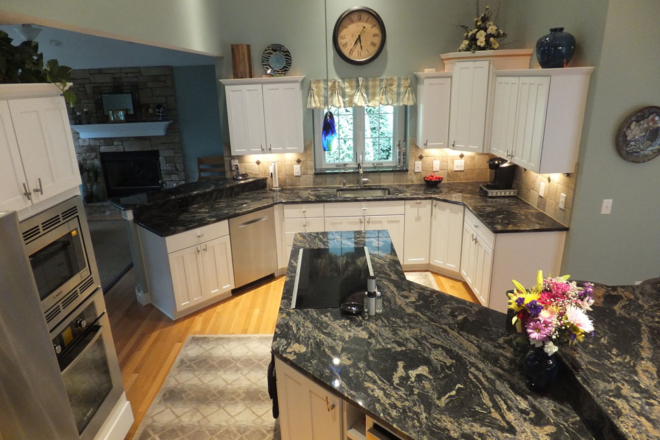 mentor-ohio-marble-kitchen.jpg