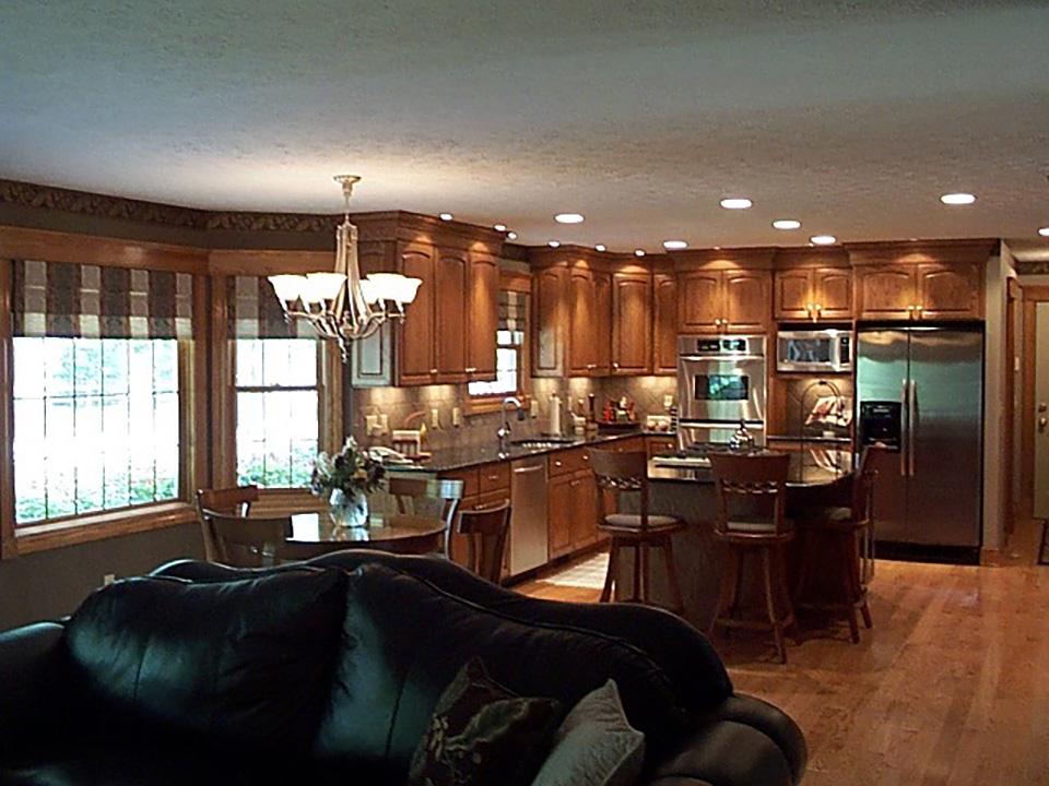 full-family-room-kitchen.jpg